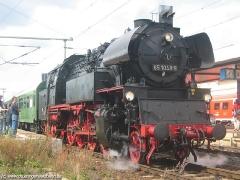 ...aus Erfurt, gezogen von der 65 1049. (c) Kutting
