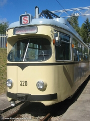 TW 320 auf dem Betriebsfof (c) Kutting
