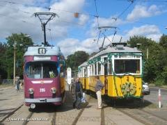 Traditionszug 56-82-101 vor dem Hauptbahnhof und... (c) Kutting