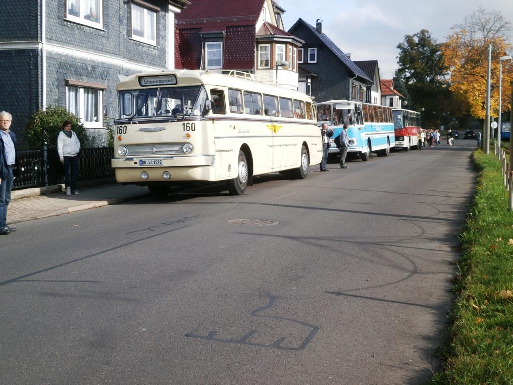 Ikarus 66 und 255, Fleischerbus, Tabarz, 12.10.2014 (C) Schneider