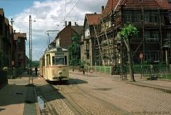 Triebwagen 43 mit Beiwagen 94 in der Reuterstraße (Linie 2) (7. Juli 1974)