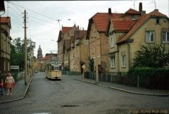 Triebwagen 208 als Linie 4 am Brühl in Walterhausen. (7. Juli 1974)