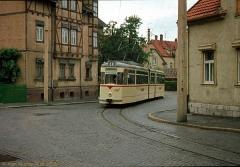 Triebwagen 208 ebenfalls in Waltershausen Hier beim Schwenk in die Goethestraße. (7. Juli 1974)