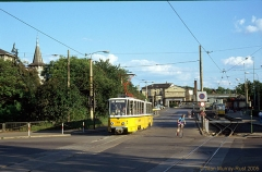 Triebwagen 306 am Hauptbahnhof. (24. Juni 1990)