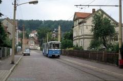 Triebwagen 302 in der Engelsstraße (heute Albrechtstraße). (4. Juli 1991)