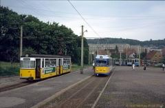 Triebwagen 216, 396 und 302. Drei Arten Gelenkwagen auf einmal am Gleisdreieck Waltershausen. (4. Juli 1991)