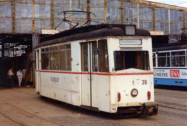 Betriebshof Waltershäuser Str. mit dem ET55 39 (Gotha 1955) ...