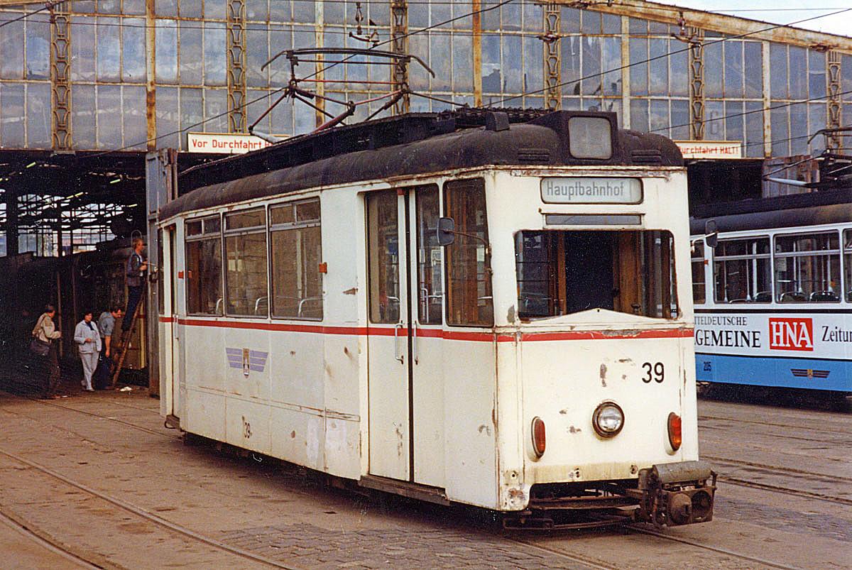 Tw 39 in einem damals jämmerlichen Zustand. Keiner hätte es damals für möglich erachtet, dass aus ihm wieder ein Schmuckstück wird.