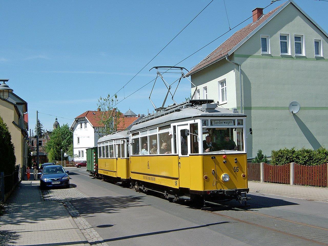 Wieder die Ortsdurchfahrt durch Waltershausen. Schön sind die Unterschiede zu den 15 Jahre zuvor entstandenen Fotos zu erkennen.