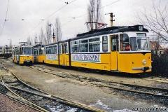 Betriebshof. Noch mehr Waldbahnfarben. Vorne wieder Tw 214. (zwischen 1991 und 1994)