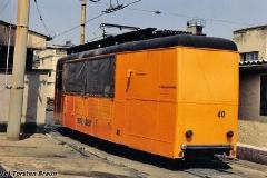 Ex - Gütertriebwagen 40 an der Wagenhalle. (zwischen 1991 und 1994)