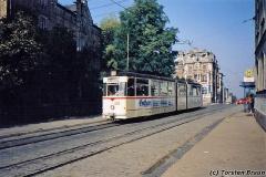 Triebwagen 203 in der Bahnhofstraße. (Oktober 1991)