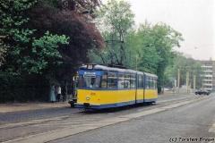 Triebwagen 203 am Myconiusplatz. (zwischen 1992 und 1994)