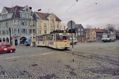 Triebwagen 204 auf dem Hersdorfplatz. (Dezember 1991)
