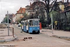 Triebwagen 301 im neuen Teil der Walterhäuser Straße. (Frühjahr 1992)