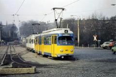 Triebwagen 443 (dahinter: Tw 408) am Hauptbahnhof. (zwischen 1991 und 1994)