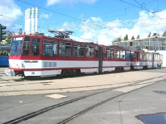 Triebwagen 310 und 312 als Doppeltraktion kurz vor ihrem Einsatz. (12. September 2004)