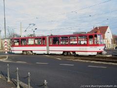 Triebwagen 311 verlässt die Huttenstraße. (15. Januar 2005)