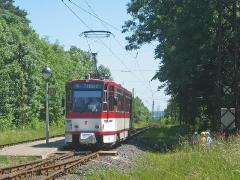 Triebwagen 311 an der Haltestelle Boxberg. (20. Juni 2005)
