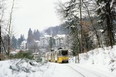 Tw 305 auf dem Weg nach Tabarz. (Februar 1991)
