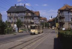 Normalerweise fuhren auf der Waldbahn die Gotha-Gelenkwagen mit Beiwagen. Vereinzelt waren aber auch KT4D unterwegs, wie hier Tw 306 in