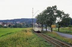Zwischen Schnepfental und Gleisdreieck. Zwischen der Wiese links und den ersten Häusern verläuft die Reichsbahnstrecke Fröttstädt-Friedrichroda.