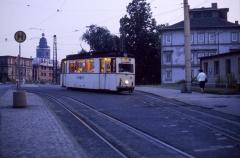 Tw 39 wartet an der Huttenstraße auf die Abfahrt zum Ostbahnhof. Rechts ist das Gleis zu erkennen, in dem früher die Linie 3 zum Friedhof endete.
