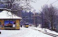 DÜWAG an der Wartburg. Durch die Stilllegung lange vor der Wende, blieb dem Düsseldorfer Qualitätsprodukt ein Einsatz auf der Eisenacher Straßenbahn leider verwehrt.