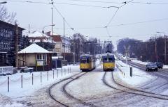 DÜWAGs unter sich: 592 und 324 am Hauptbahnhof.