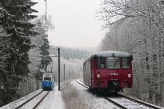 Tw 39 und EBS 772 345 zwischen Reinhardsbrunn und Schnepfenthal, 25.01.2014, (4), (C) Quaß