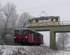 Tw 47 und EBS 772 345, Brücke Waltershausen-Gleisdreieck, 25.01.2014, (C) Quaß
