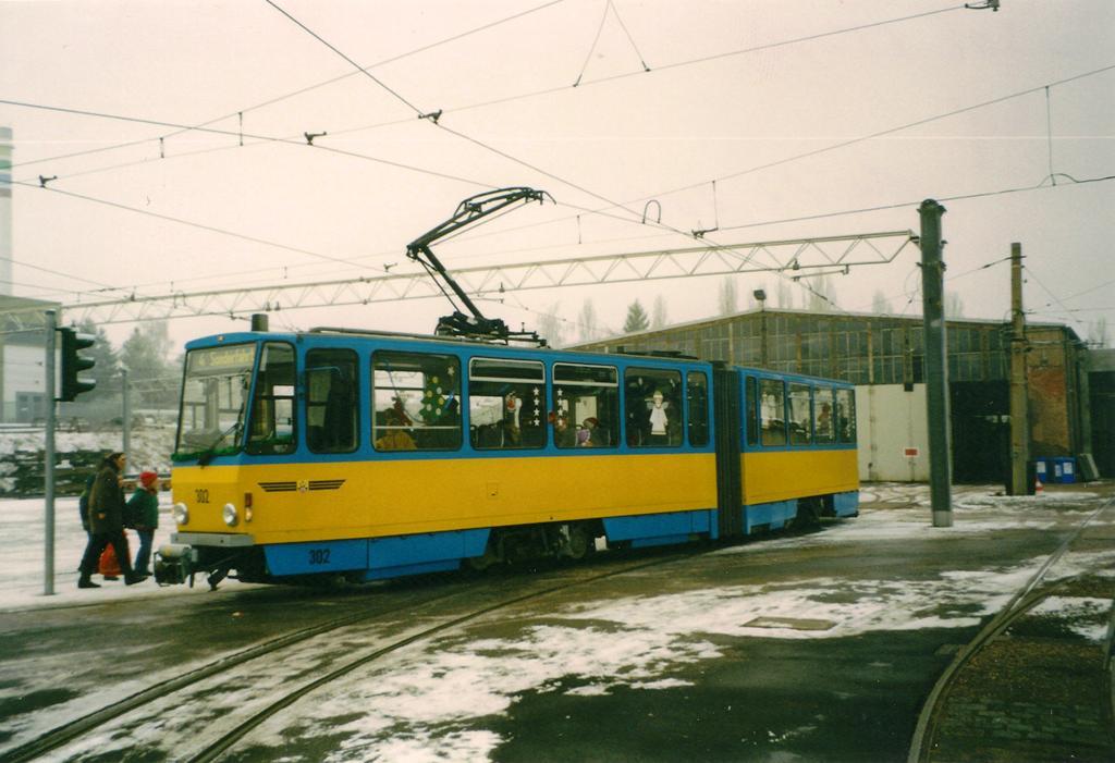 TW 302 | 2002 | (c) Schneider