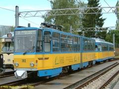 Ebenso neben der Halle: Tatra TW 302 und Düwag TW 324 (c) Bosbach