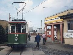 Historischer TW 29 bei der Einfahrt zum Bertiebshof. (2.5.1994)