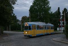 Triebwagen 592 im Abendlicht in Waltershausen. (September 2004)