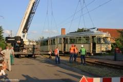 Verladung Tw 320 auf Privatgrundstück i. Walthershausen 3/5 (31.06.2006)