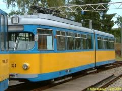 Triebwagen 324, ein weiterer DÜWAG. (12.9.2004)