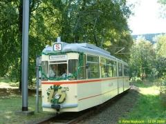 Triebwagen 215 auf der Linie 4. (12.9.2004)