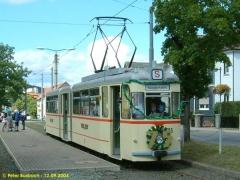 Triebwagen 215 an der Endhaltestelle Tabarz. (12.9.2004)