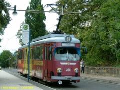 Triebwagen 396 an der Haltestelle Bahnhofstraße. (12.9.2004)