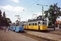 Der Traditionszug und Tatra TW 303 in Tabarz. Ironie, dass ich 15 Jahre später dieselben Fahrzeuge durch Zufall wieder hier aufgenommen habe.