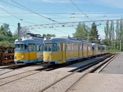 TW 318 (DUEWAG 1960) ex Mannheim 318, ex Heidelberg 201 (verschrottet 2011) und 528 (DUEWAG 1962) ex Bochum, 2007 an IG Hirschbergbahn im Betriebshof abgestellt