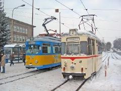 TW 47 mit TW 412 am Hbf. (29. Januar 2005)
