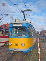 Triebwagen 442 am Hauptbahnhof. (15. Januar 2005)