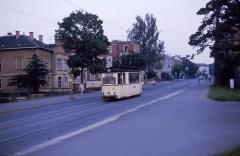 """Lowa-Front und Gotha-Seitenwände, Nachserien-Lowa oder Vorserien-Gotha? Wir nannten ihn damals """"Lotha"""". Haltestelle Orangerie im Juli 1987."""